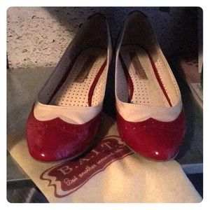 Oldies styled shoes